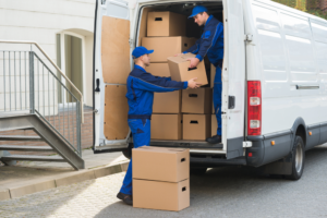 Hiring Melbourne Removalists vs. Moving On Your Own